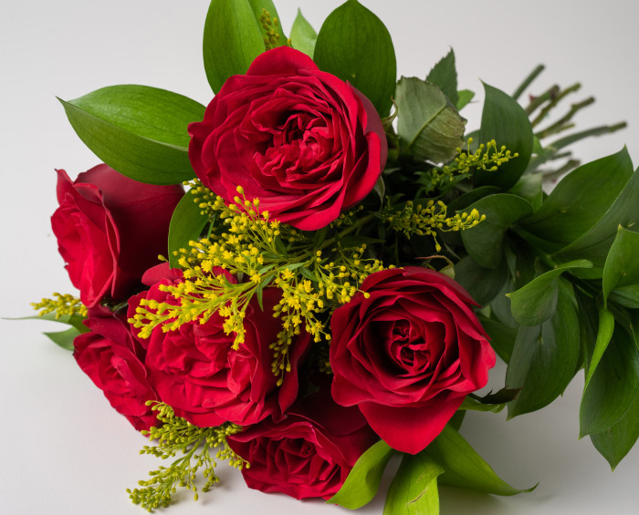 Buquê de 6 Rosas Vermelhas