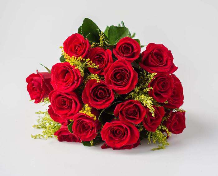 Buquê Tradicional de 19 Rosas Vermelhas
