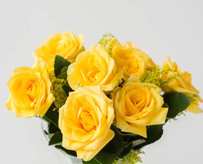 Buquê de 8 Rosas Amarelas