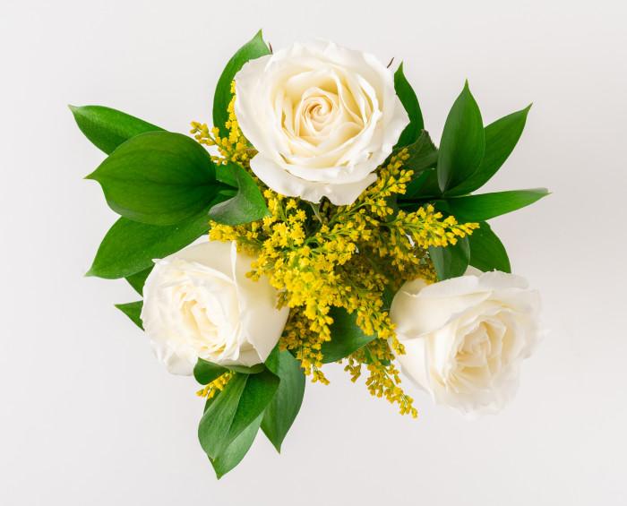 Buquê de 3 Rosas Brancas e Chocolate