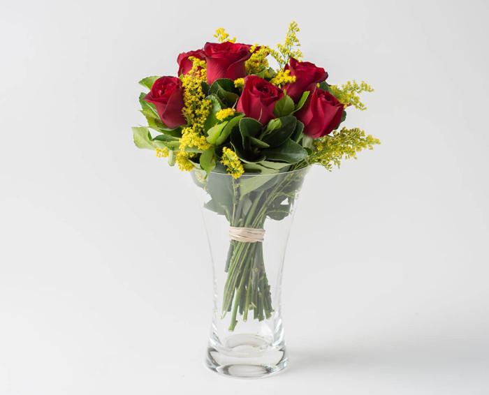 Arranjo de 8 Rosas Vermelhas em Vaso