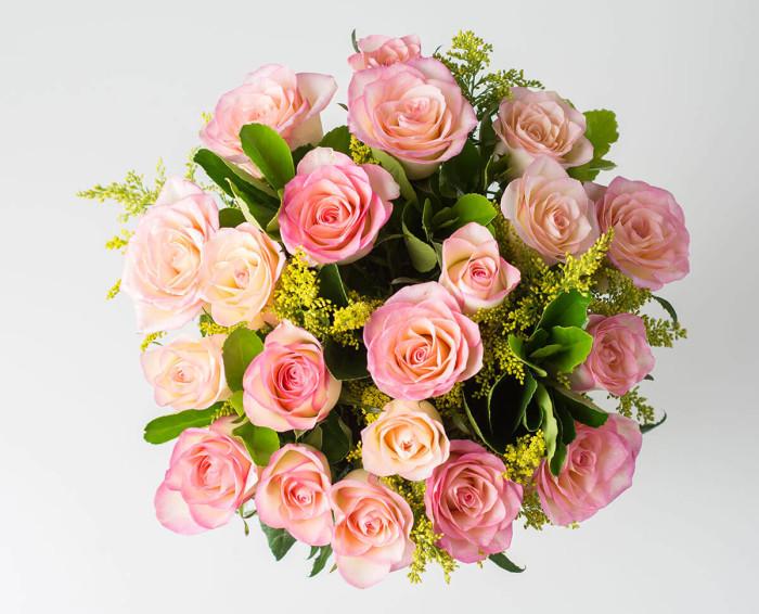 Arranjo de 20 Rosas Rosadas em Vaso