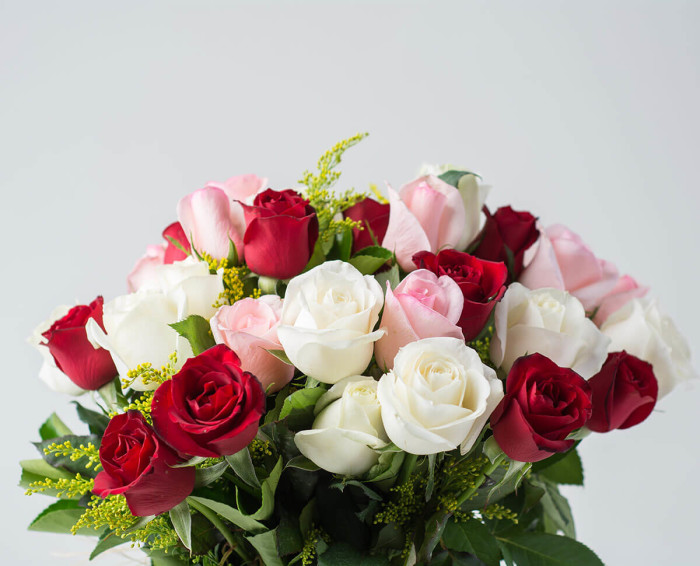 36 Rosas de Três Cores em Vaso